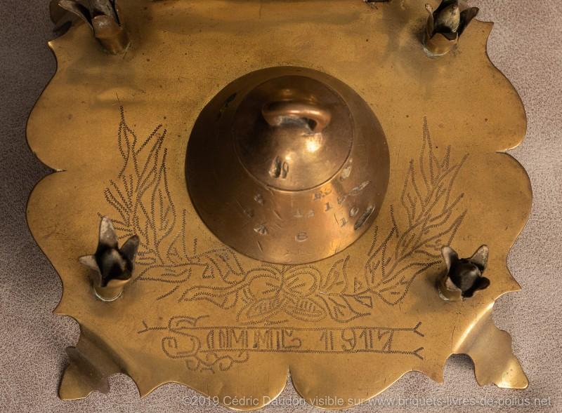 Encrier avec potence porte photo marquée « Somme 1917 ».