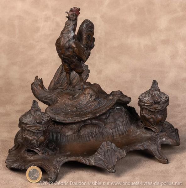 Le coq dans un élan patriotique exacerbé est désormais présenté terrassant l'aigle prussien.