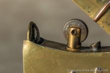 Briquet à système: vérouillage intérieur avec déblocage par petit bouton latéral : Rare !