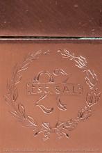 L'escadrille SAL 27 ( SAL pour Salsom du nom du modèle de l'avion utilisé par  l'escadrille )était consacrée en principe à l'observation stratégiques et collaborait en particulier aux réglages  des tirs de l'artillerie .L'insigne gravé est celui du brevet